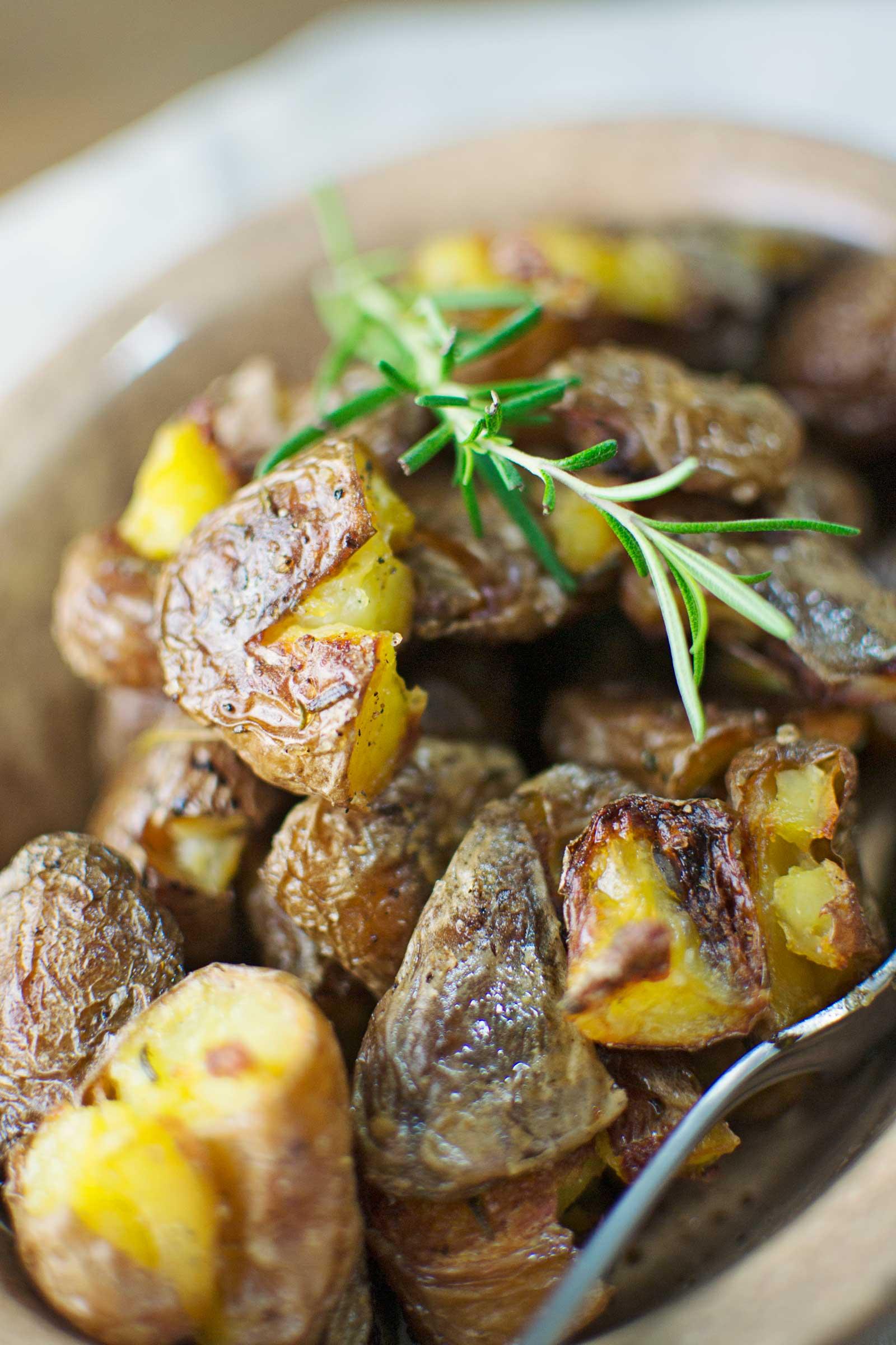 Perfectly Roasted Potatoes - @LittleFiggyFood - #Potatoes