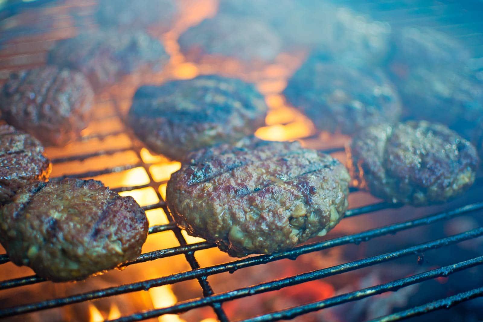 Grilling the Best Flipping Burger! Recipe @LittleFiggyFood