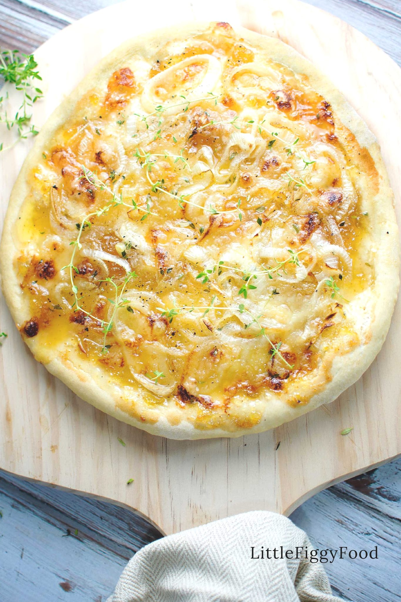 Caramelized Onion with Brie & Fig Pizza! Seriously! When the kids chow ...