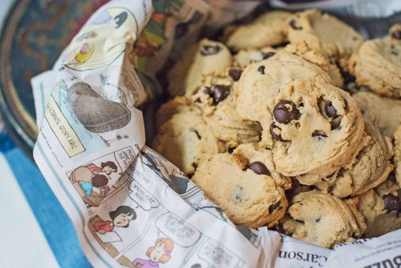 Make up a batch of these Peanut Butter Chocolate Chip Cookies to share ... or not! Recipe @LittleFiggyFood