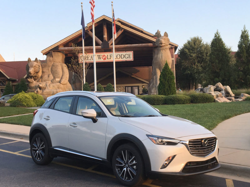 Mazda CX-3 looking stylish in front of the Great Wolf Lodge
