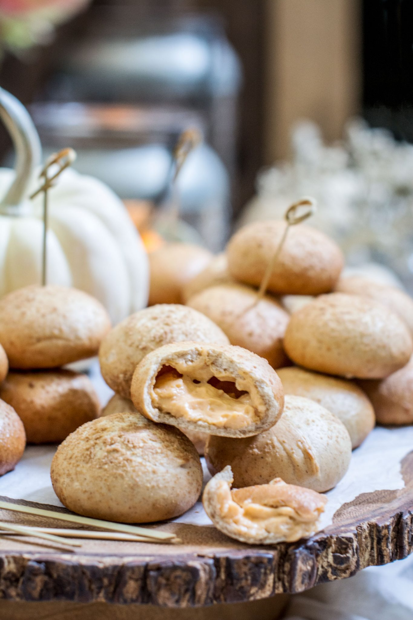 NANCY'S Pumpkin Flavored Petite Stuffed Bagels, the perfect addition for holiday entertaining! Learn more at Little Figgy Food. #ad #ViveLeBrunch